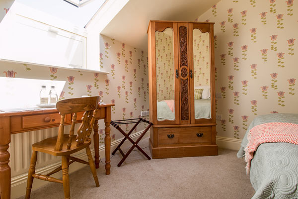 Carrig House Cosy Attic Room